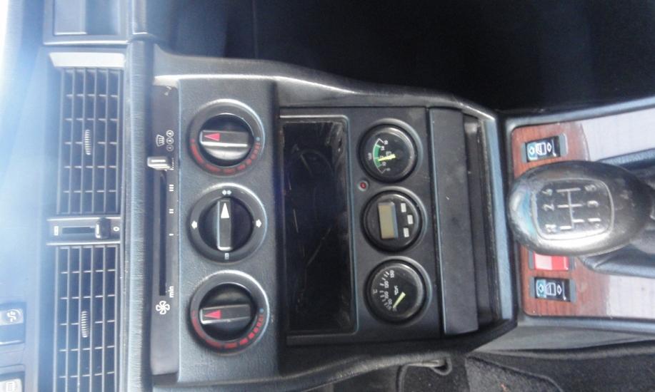 Mercedes 190 6