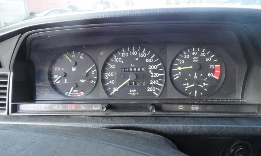 Mercedes 190 7