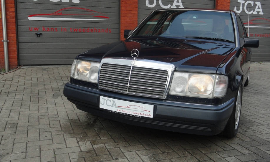 Mercedes 124 2