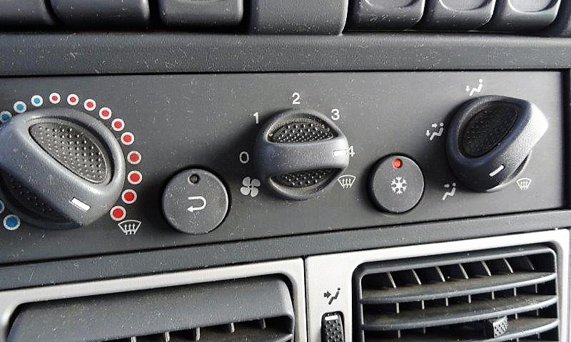 Iveco Eurocargo 90E18 E5 koffer 5m 10