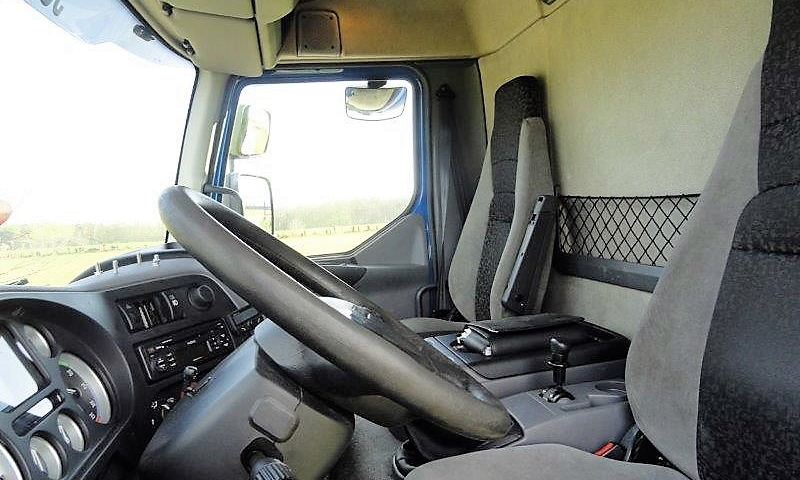 DAF LF 55.220 chassis wielbasis 360cm 15T 8