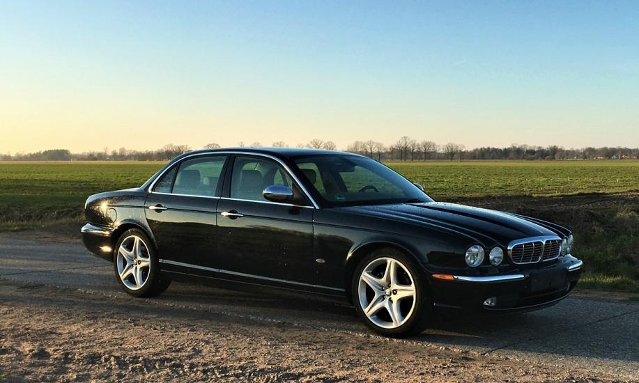 Jaguar XJ6 1