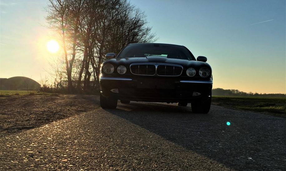 Jaguar XJ6 3