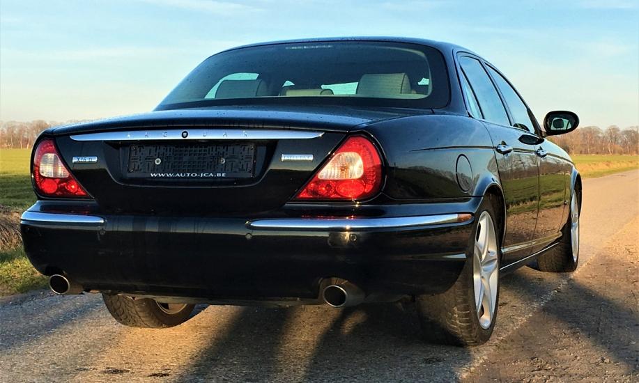 Jaguar XJ6 7