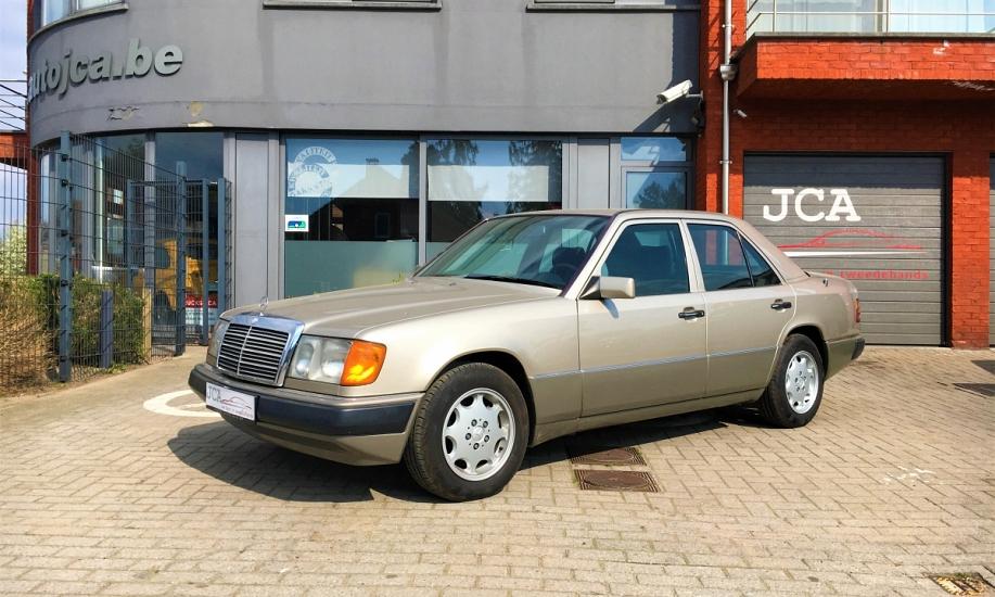 Mercedes E 230 1