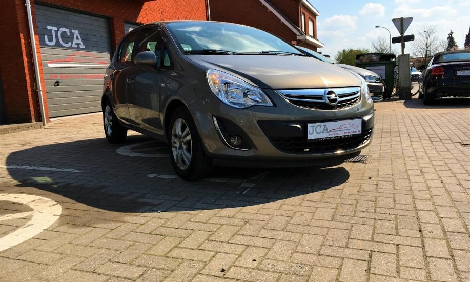 Opel corsa 1.2i 5