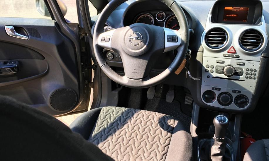 Opel corsa 1.2i 13